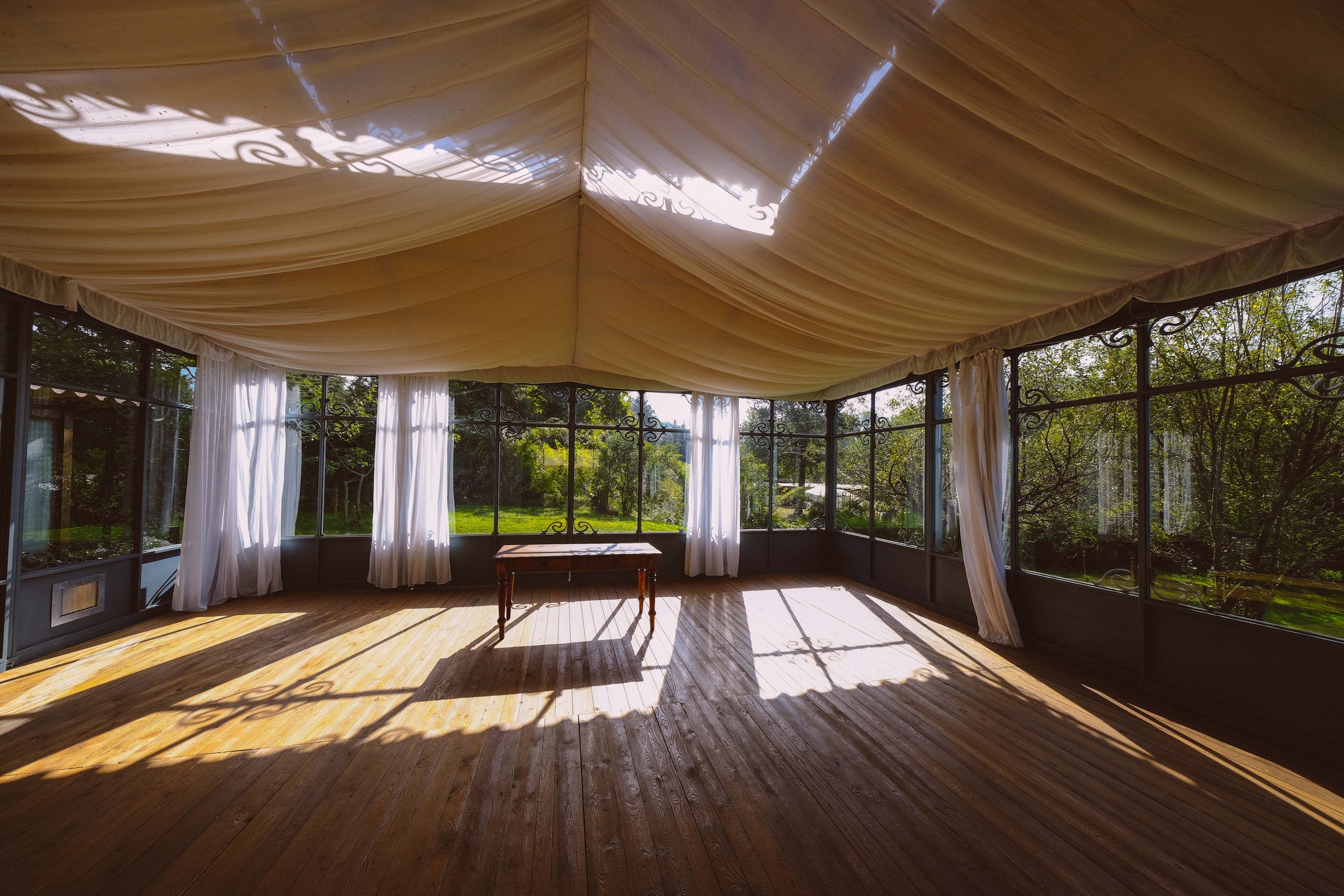 Legal formalities when erecting tent halls